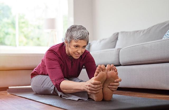 Yoga cho người cao tuổi lợi ích không ngờ